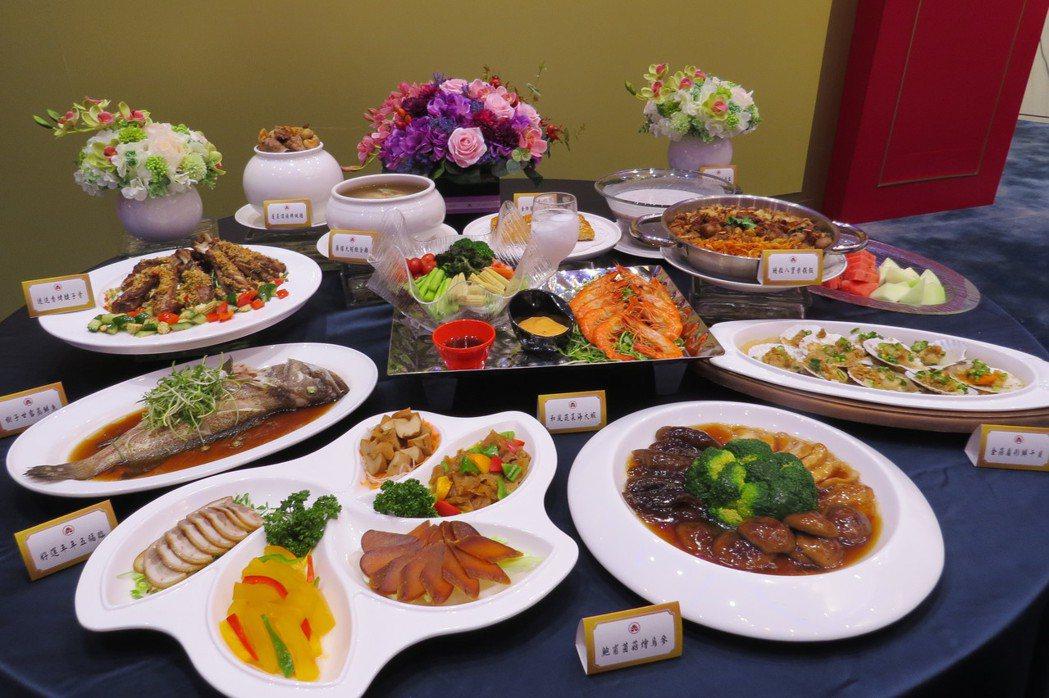 高雄福華今年尾牙春酒料理特別納入媒體年菜評比冠軍料理--蓬萊頂湯佛跳牆,讓菜色展...