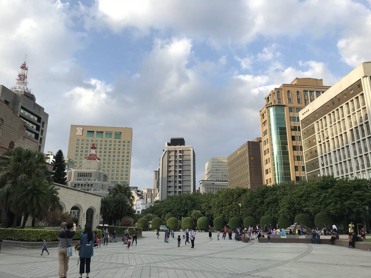 璞園建築團隊總經理張嘉生認為,台灣少子化、高齡化現象對房市來說,未必不好。記者游...