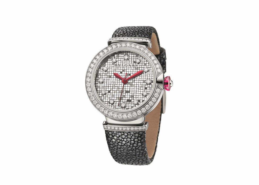 寶格麗Lvcea Mosaic腕表,18K白金表殼搭配白金馬賽克方磚組成表盤,表...