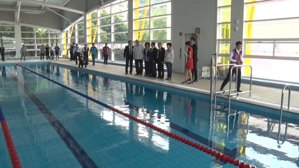 彰化師大「王金平游泳池」今天啟用。記者簡慧珍/攝影