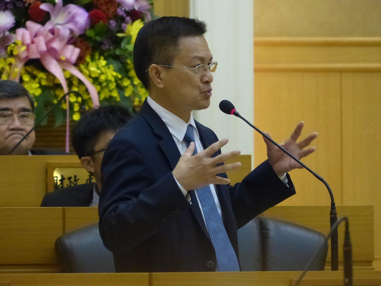 彰化縣長魏明谷昨天在答覆縣議員質詢時,表示台中火力發電廠空汙處理,會成為明年台中...