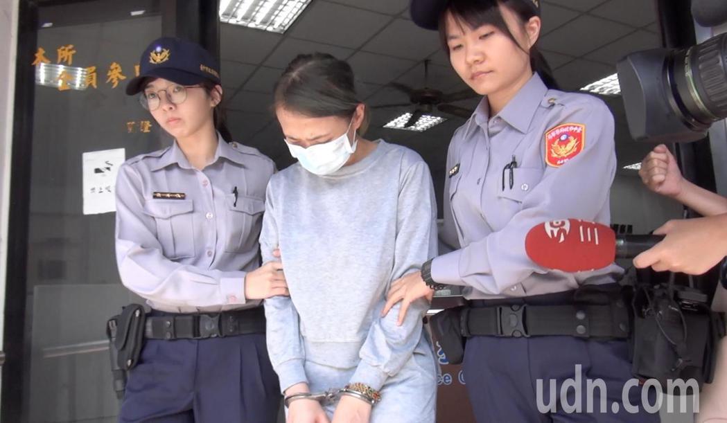 台中市顏姓女子涉嫌酒駕撞死人,今天被依公共危險等罪嫌移送法辦。記者陳宏睿/攝影