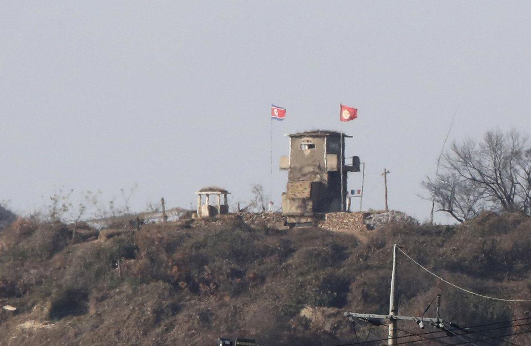 從南韓坡州眺望北韓守軍哨站。美聯社