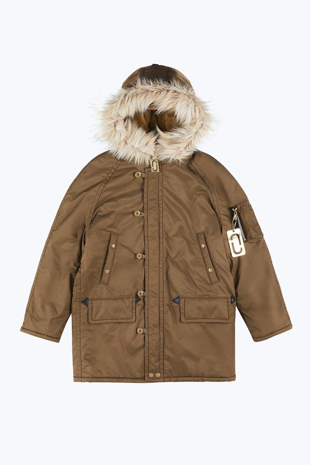 鋪棉連帽外套,56,900元。圖/Marc Jacobs提供