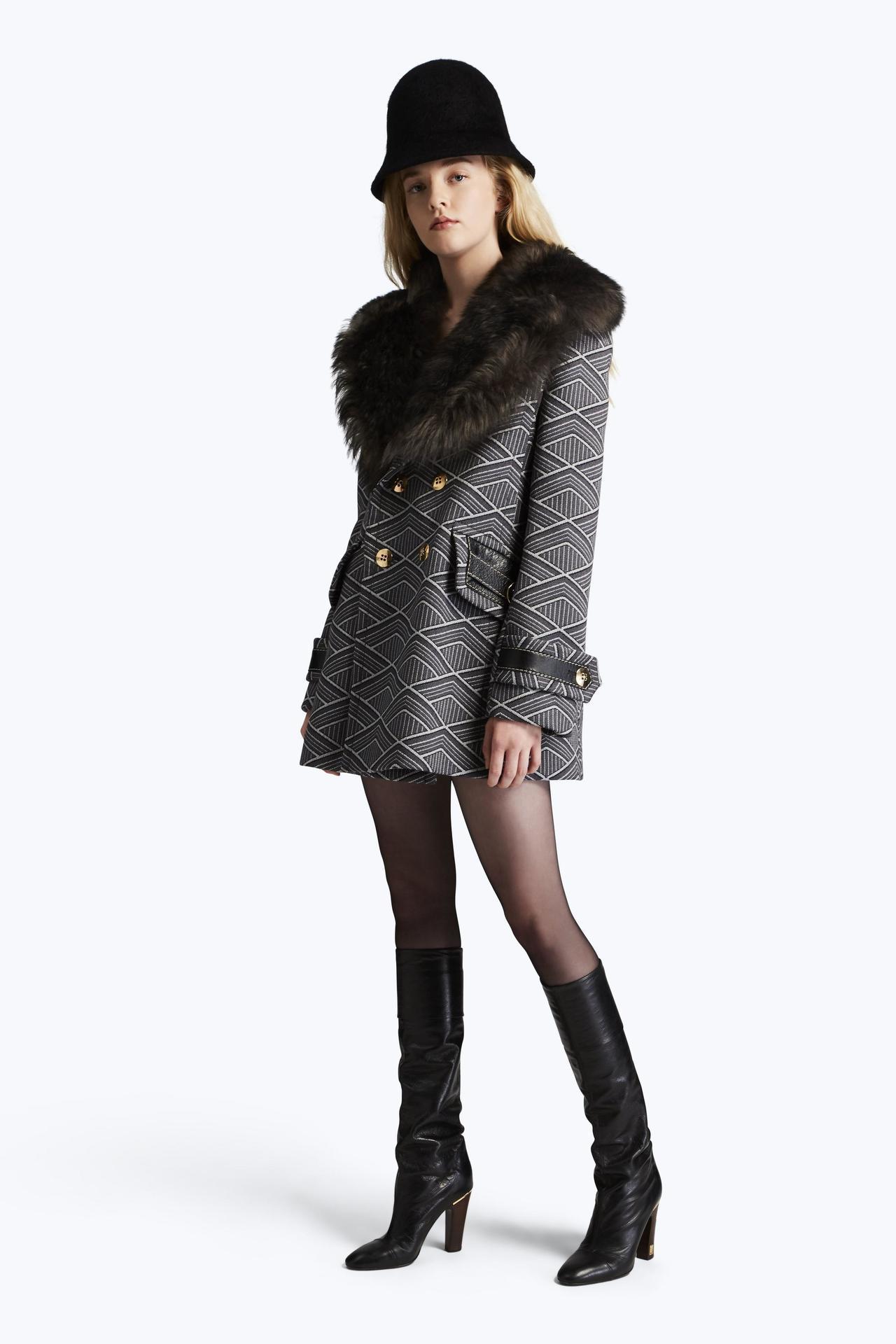 幾何格紋外套,149,900元。圖/Marc Jacobs提供