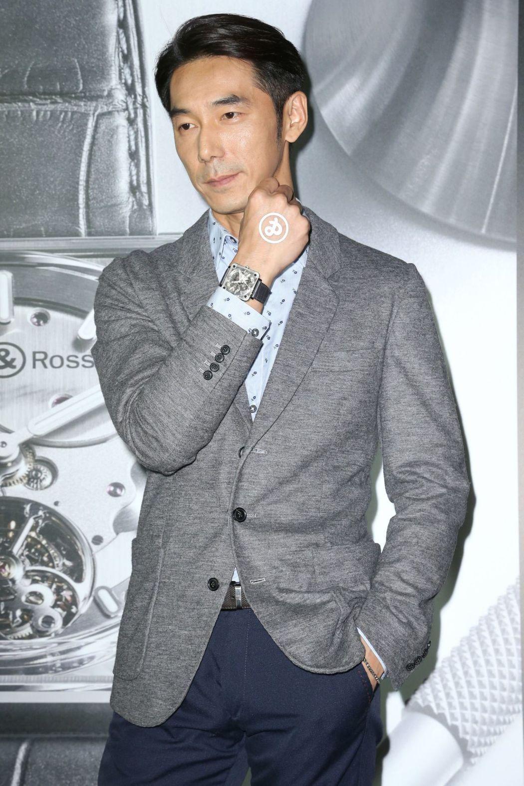 李李仁覺得戴表走秀最難了,因為手都要維持同一姿勢,有些不習慣。記者陳立凱/攝影