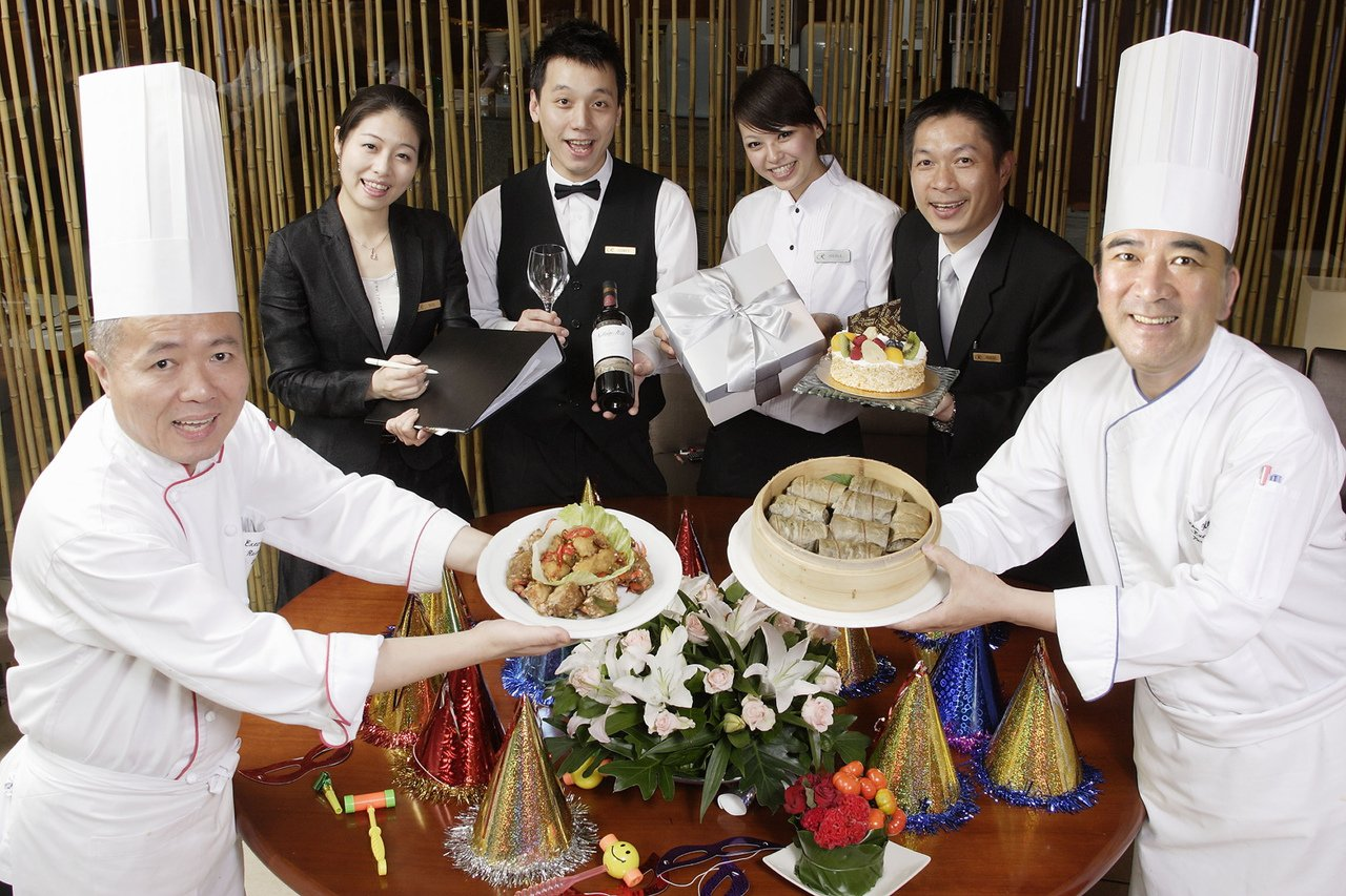 晶華酒店集結旗下餐廳,推出自助餐、宴會廳等不同春酒尾牙專案。圖/晶華酒店提供