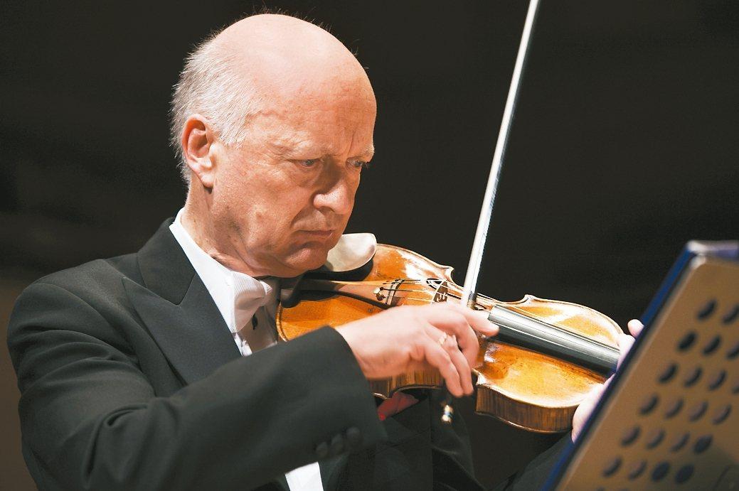 維也納愛樂前首席萊納.克諧爾,領軍維也納金環愛樂首席樂團首度來台演出。 圖/聯合...