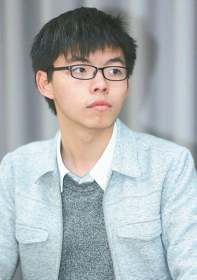 挑戰香港選舉條例有關被監禁者參選的規限,香港占中的學生領袖黃之鋒,被認為有意參加...