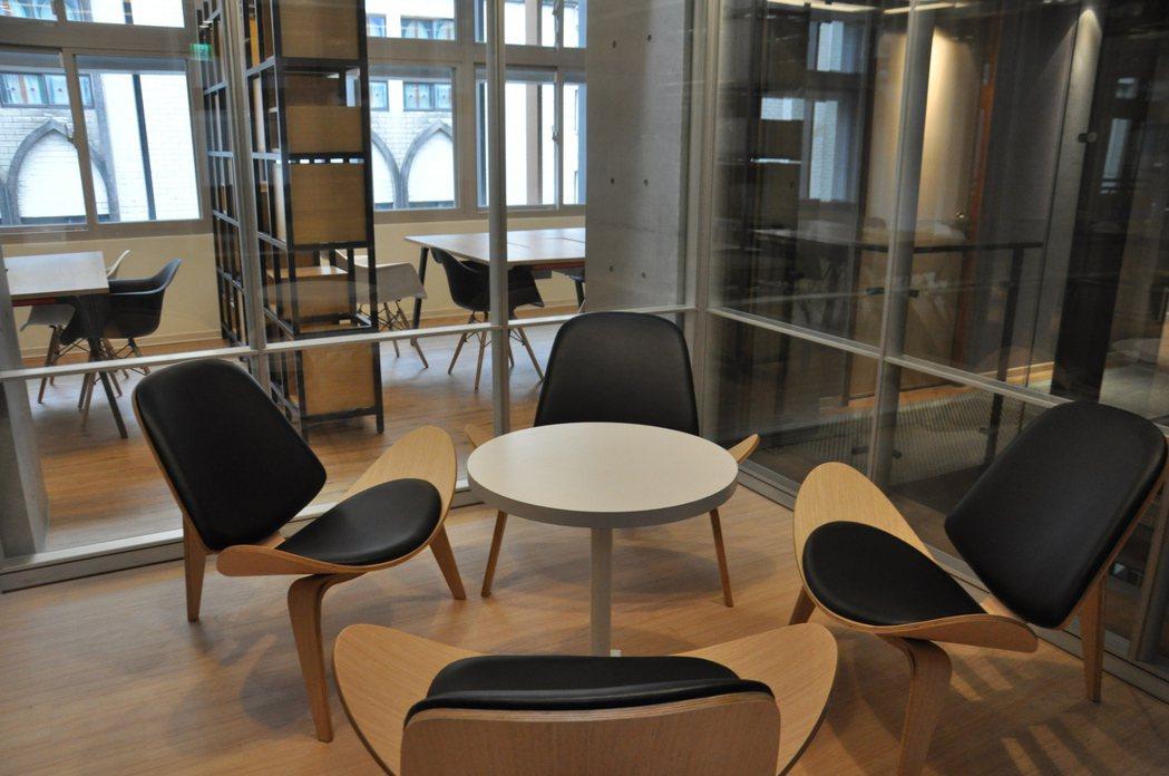 桃園安東青創基地擁有完整的青年創業空間,環境舒適充滿現代感。記者張裕珍/攝影