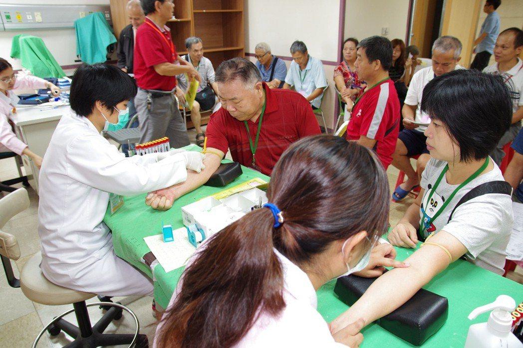 老年農漁民健康檢查。 農業局/提供。