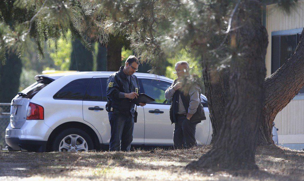 北加州一小學附近發生槍擊事件,包括兇手至少五人死亡。 美聯社