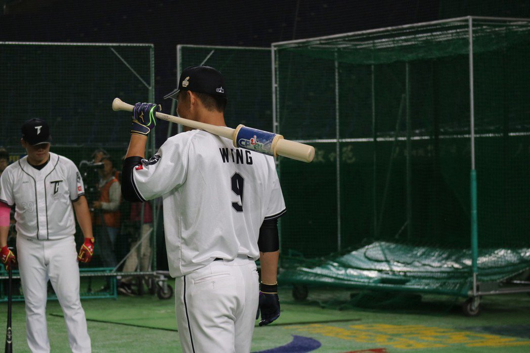 「大王」王柏融出征亞冠賽,是焦點中的焦點,日本媒體也特別關注他熱身狀況。東京記者...
