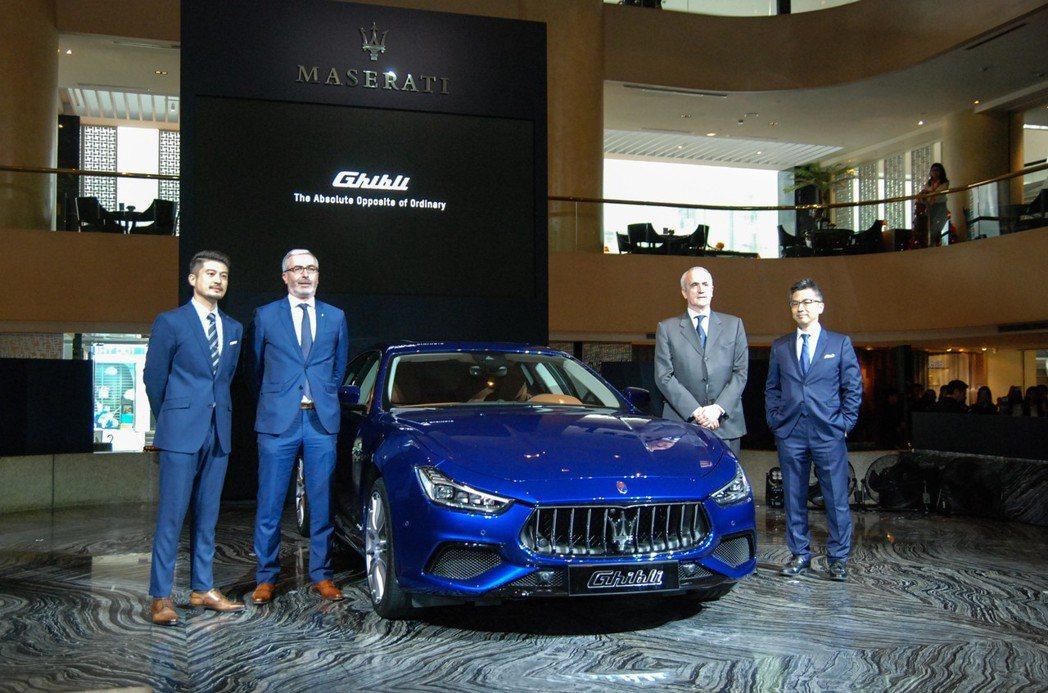 圖由左至右為Maserati 行銷公關經理孟祥恩Brandon、Maserati 亞太區總經理Amaury La Fonta、臺灣蒙地拿總經理宋牧樺 Fabrice de Murat 與 Maserati 品牌總經理黃怡超Silver。 記者林鼎智/攝影