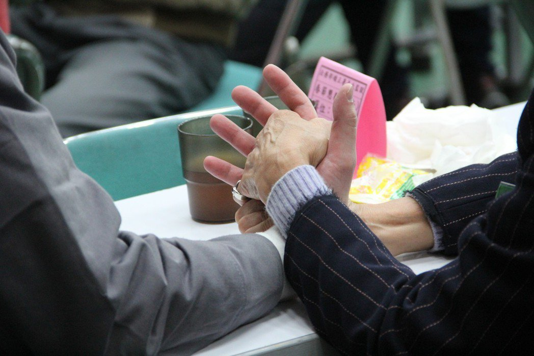 雖然台灣高齡者對守法行為的嚴重缺乏,但台灣的法治教育是否紮根到高齡者身上,則是另...