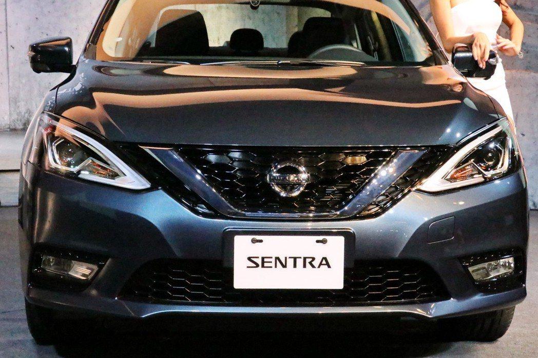 全新改款NISSAN Sentra導入V-Motion嶄新外型。 記者陳威任/攝影