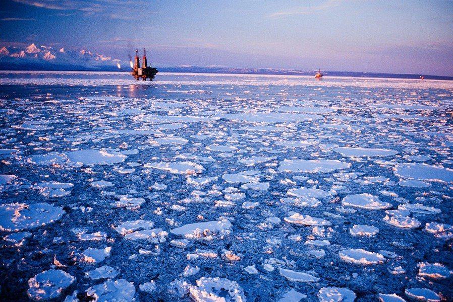 圖說:綠色和平組織控告挪威政府開發北極海石油的行為違反憲法與巴黎協定。(phot...
