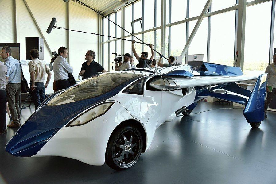 德國斯洛伐克的「空中移動」(AeroMobil)公司也早在摩納哥跑車展秀出其飛行...