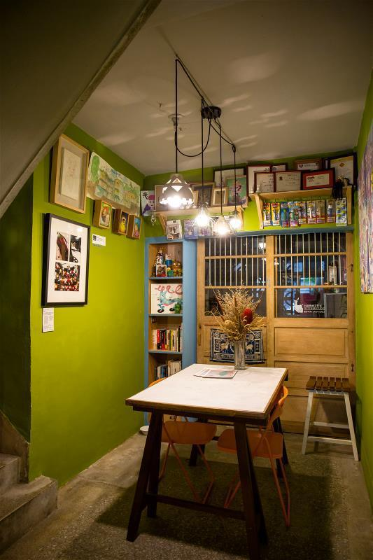 各家藝文商店在理念、經營模式都不盡相同, 每家都有獨到之處。