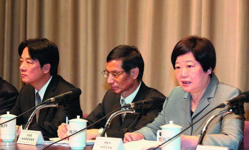 賴清德(左)扮演翻轉政策的角色,林美珠(右)相信這次修法是愈修愈好。 攝影/郭晉...