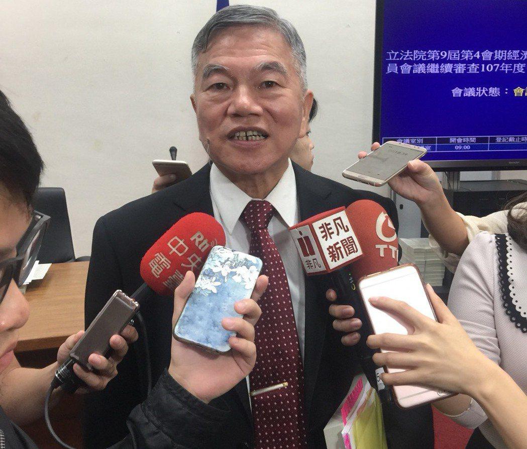 經濟部長沈榮津。記者吳馥馨/攝影