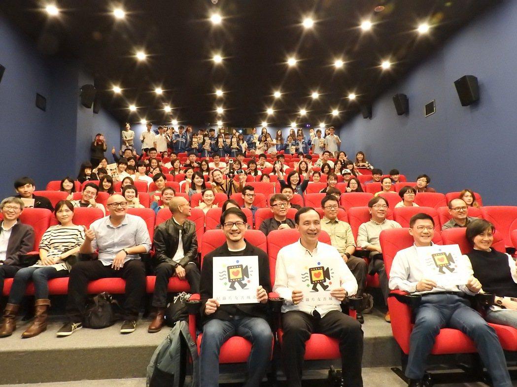 新北市今年首度舉辦2017國際華人紀錄片月,今起到12月10日總共播放33部精彩