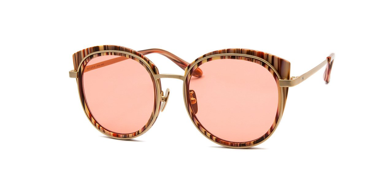 Maska Dana系列淡紅色鏡片金色太陽眼鏡,約7,200元。圖/得恩堂提供