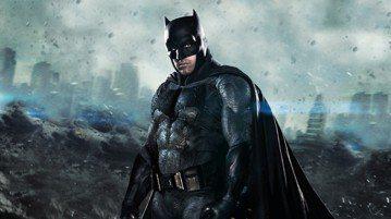 班艾佛列克在「正義聯盟」中3度扮演「蝙蝠俠」,最近他上脫口秀節目「吉米金莫脫口秀」,提到自己會接演「蝙蝠俠」的原因,除了自己原本就是超級英雄的大粉絲之外,更希望能在自己的小孩面前穿上超級英雄的服裝,...