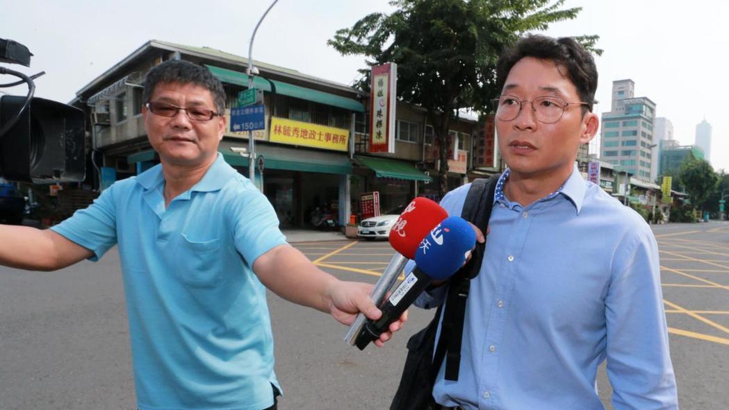 慶富副董事長陳偉志(右)。 報系資料照