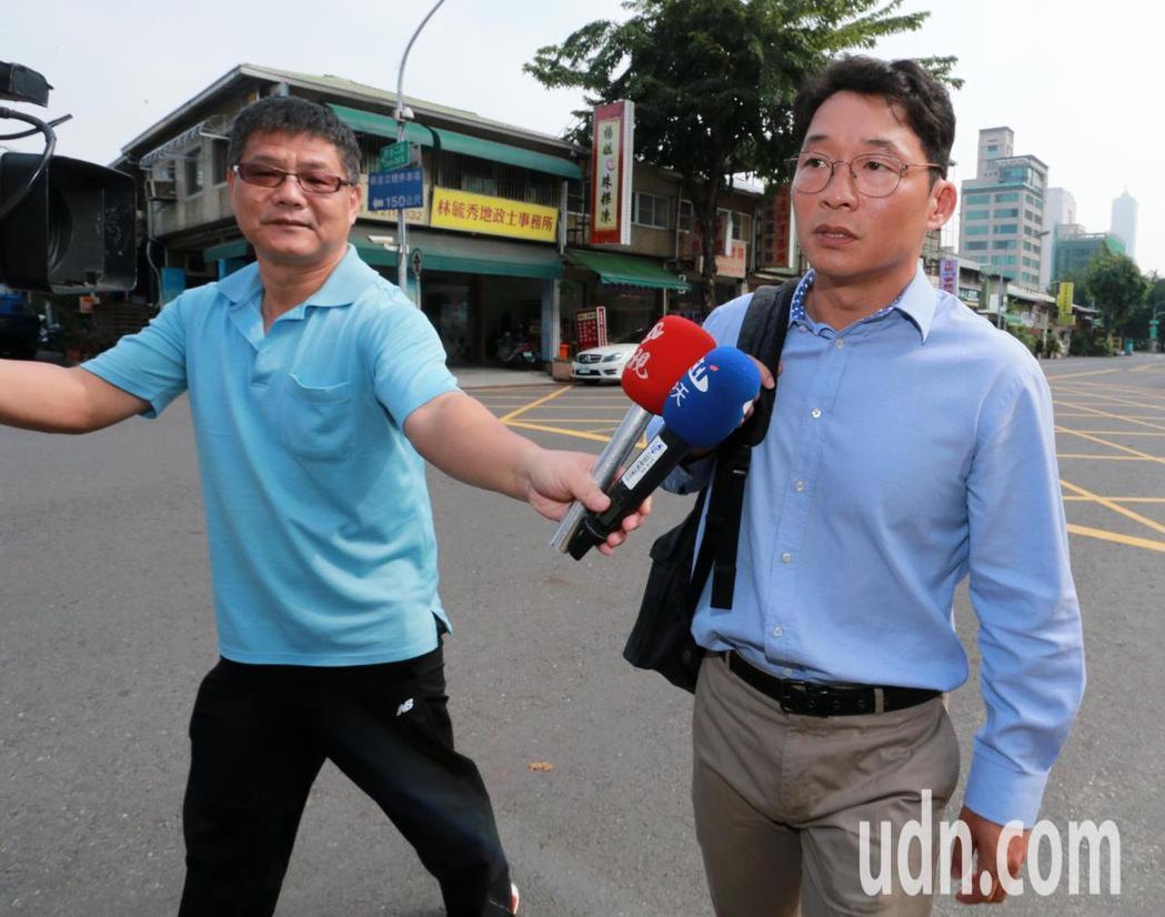陳偉志(右)。記者劉學聖/攝影