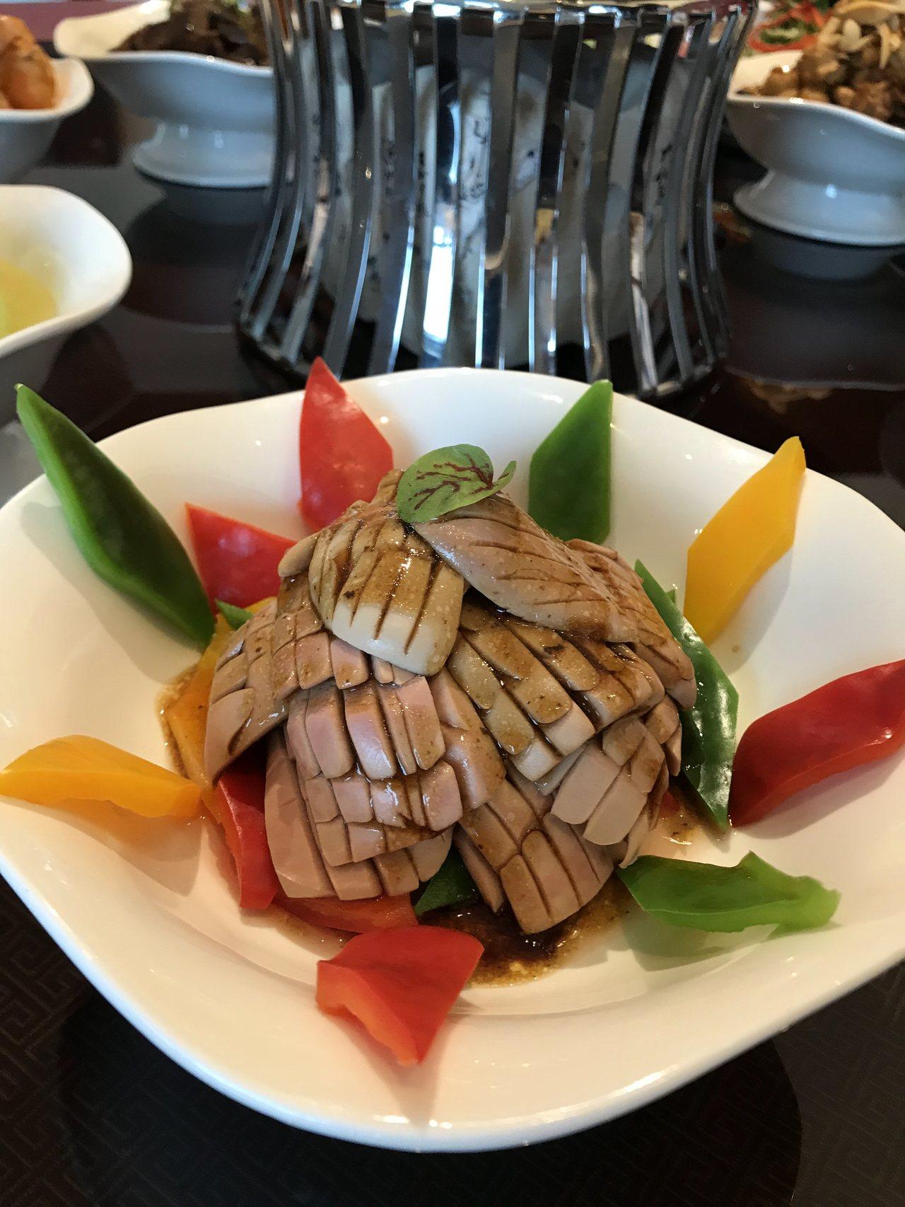 「大帥溜腰花」是張學良愛吃的料理。記者綦守鈺/攝影