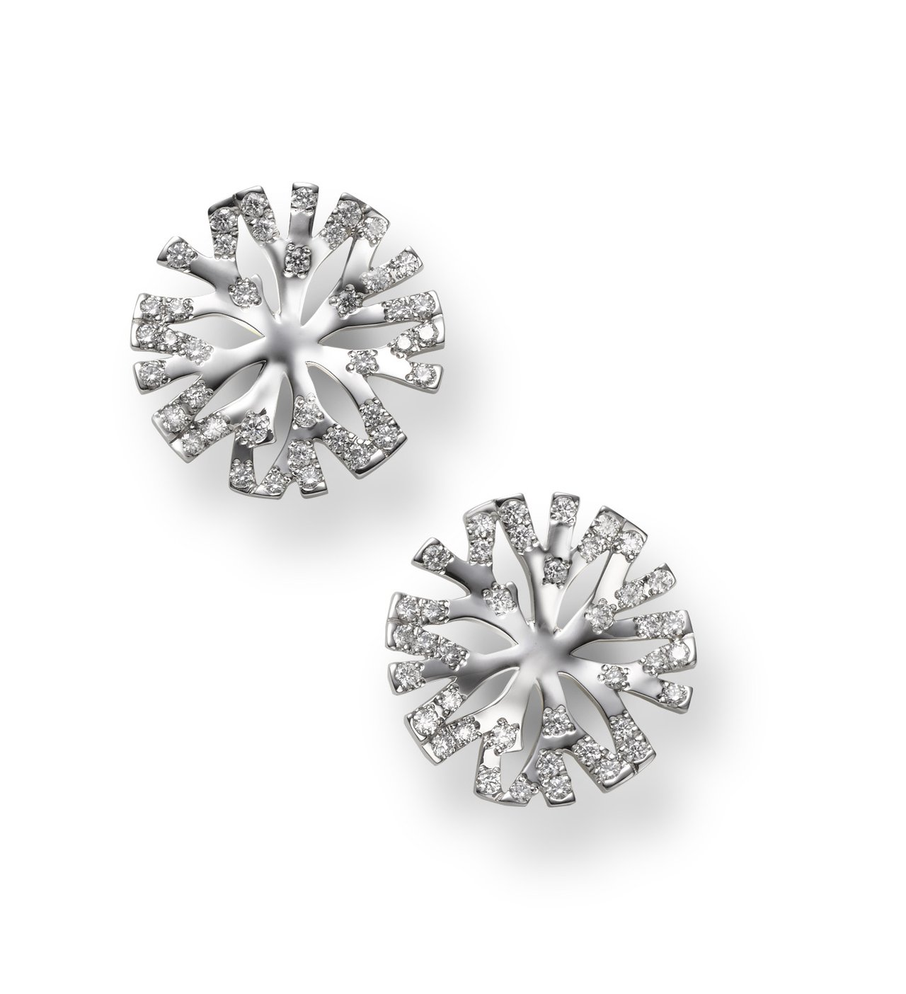 Coral Collection 18K白金鑽石耳環,21萬5,000元。圖/M...