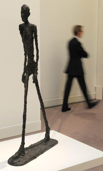 賈科梅蒂「行走的人」2010年成交價:1.043億美元。 (法新社)