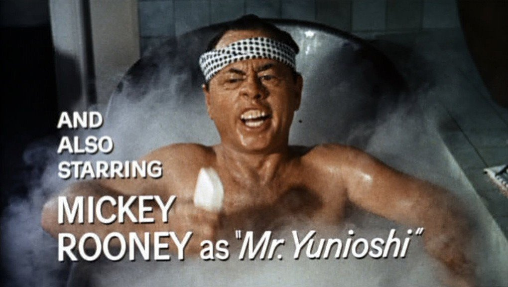 《第凡內早餐》片中的Yunioshi先生,被批為醜化亞裔人士。 圖/wikipedia