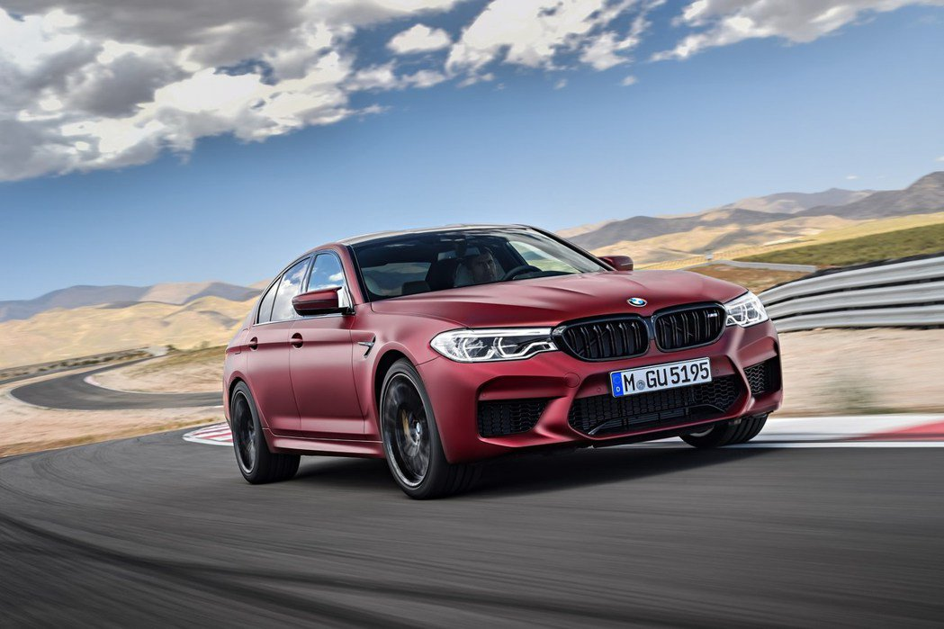 BMW 提供