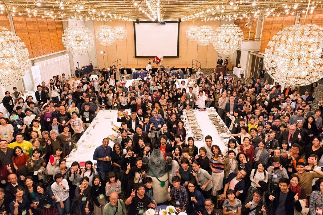 2017年山形國際紀錄片影展參與者合影。 圖/YIDFF官網