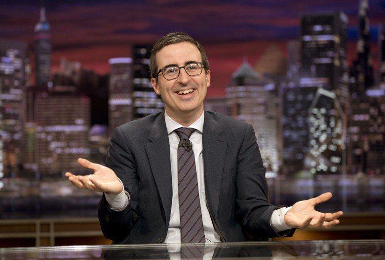 圖為John Oliver主持《上週今夜》畫面。 圖/美聯社