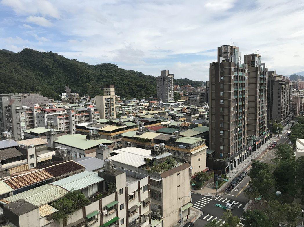 台北市政府(14)日宣布,住宅包租代管計畫明年1月1日開跑,希望藉由包租代管的制...