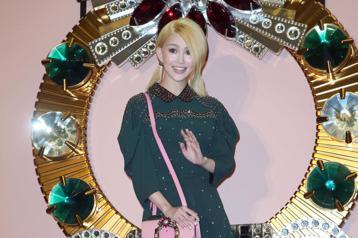 2017 MIU LADY包款系列特展開幕,昆凌、吳姍儒、周曉涵等名人出席參觀