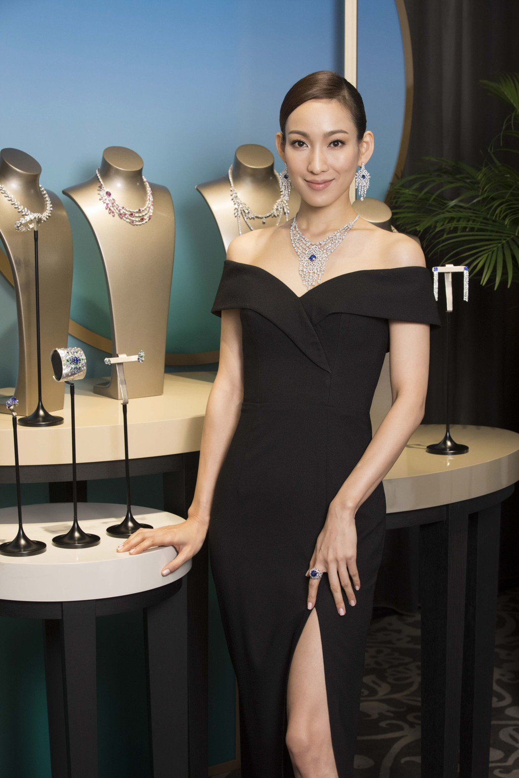名模李曉涵演繹伯爵紅毯璀璨珠寶。圖/伯爵提供
