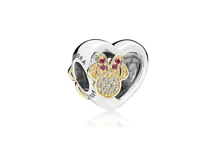 米奇與米妮愛的象徵14K金鋯石串飾NT$5,580。記者謝欣倫/攝影