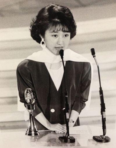 國民黨立委盧秀燕曾任華視主播,獲得電視金鐘獎最佳採訪獎。 圖/盧秀燕提供