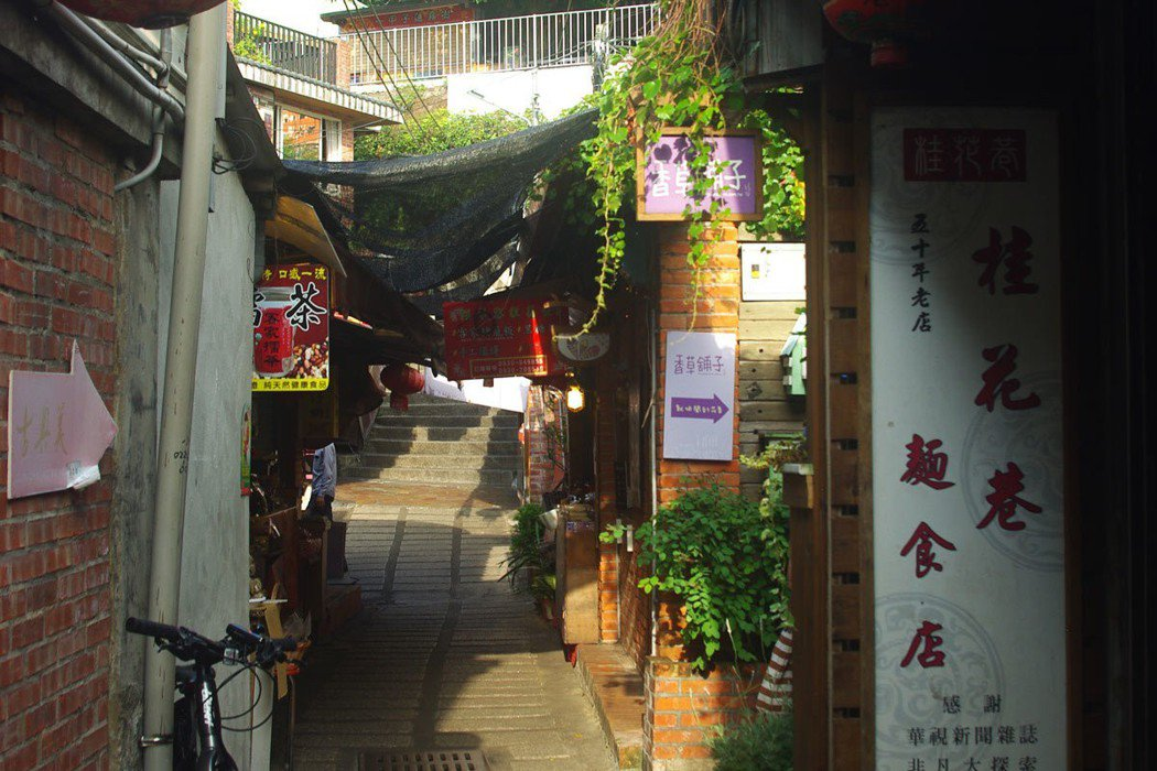桂花巷麵食館就隱藏在桂花巷(中正路一巷)的窄巷中。
