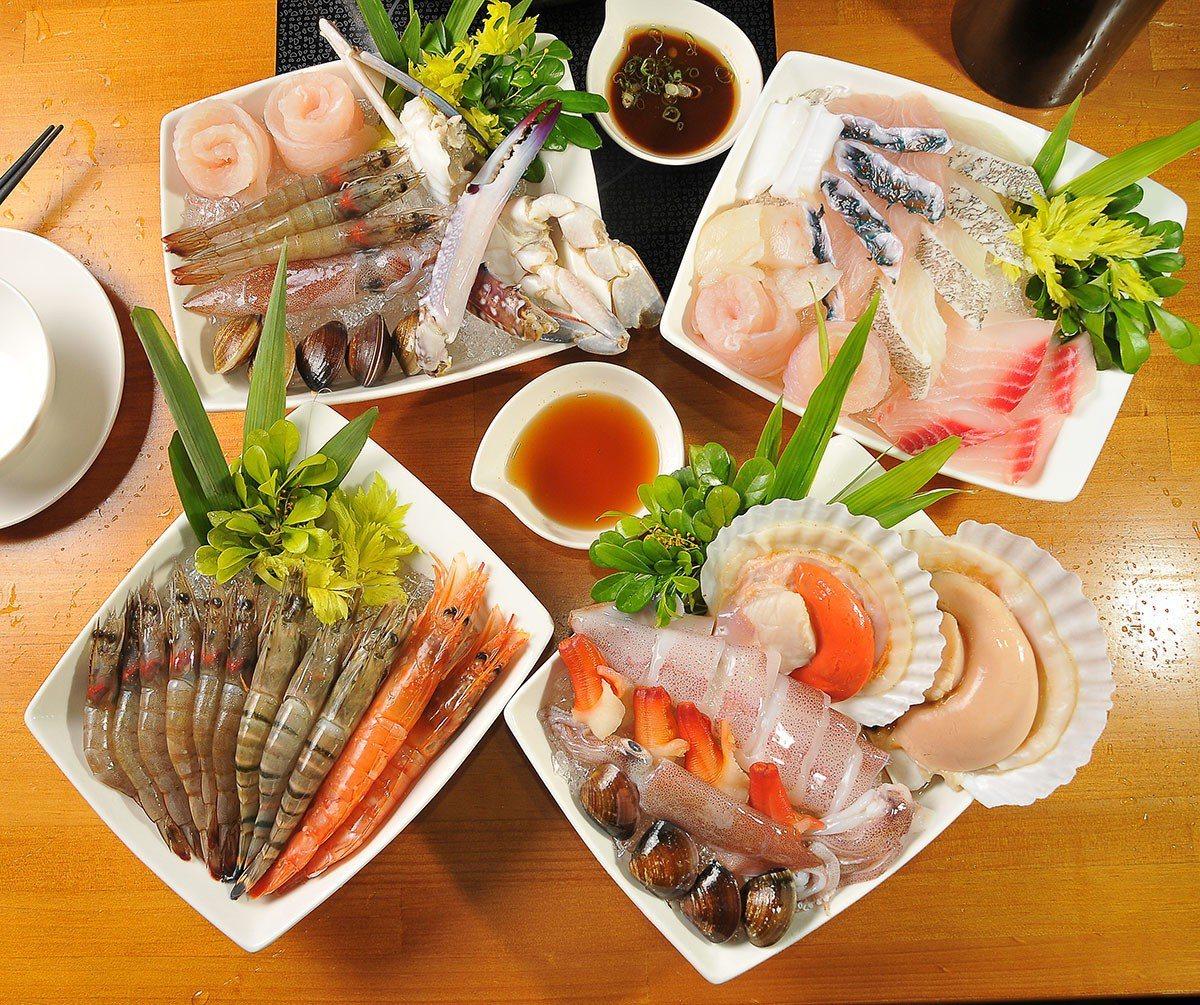 法國藍龍蝦雙人套餐的海鮮拼盤四款有全蝦、全魚、扇貝、綜合可選。