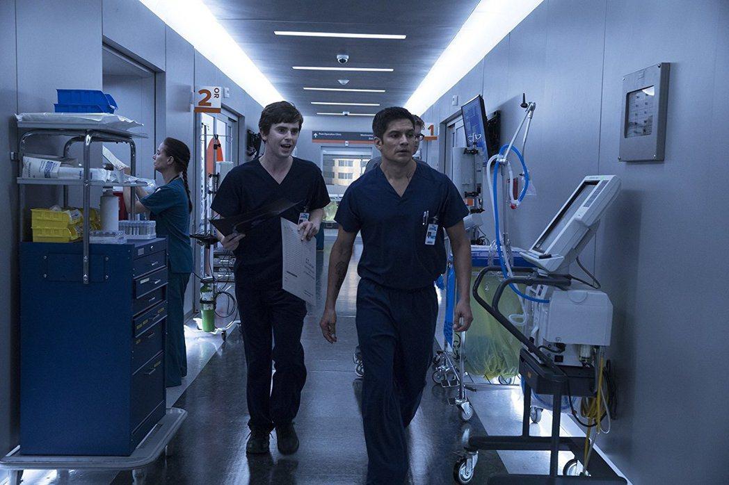 「良醫墨菲」今秋以來北美最紅火的新戲 。圖/摘自imdb