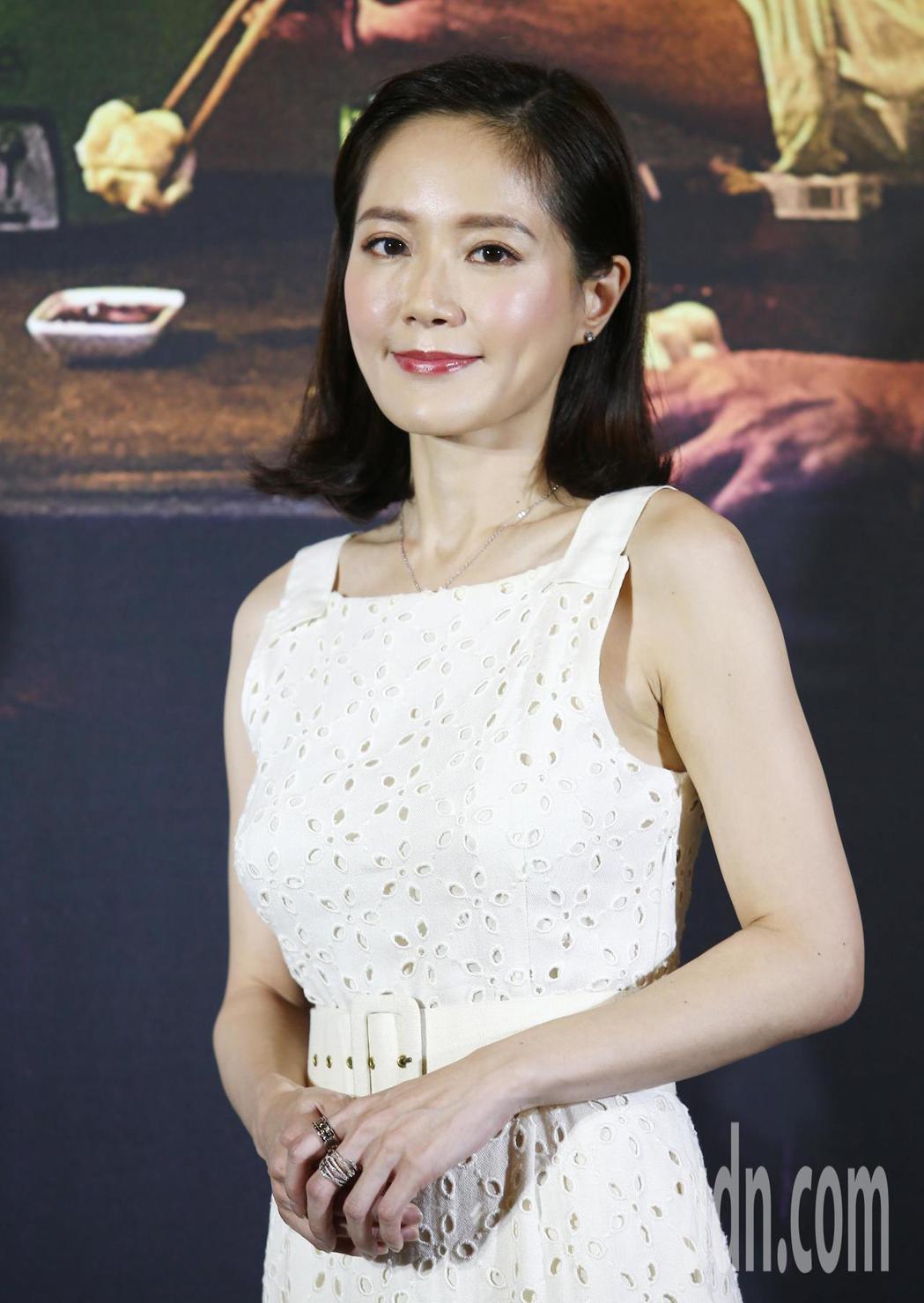 尹馨在受訪時表示,面對在只有演員的空間(導演躲起來)演床戲,感覺非常爽快,演員可...