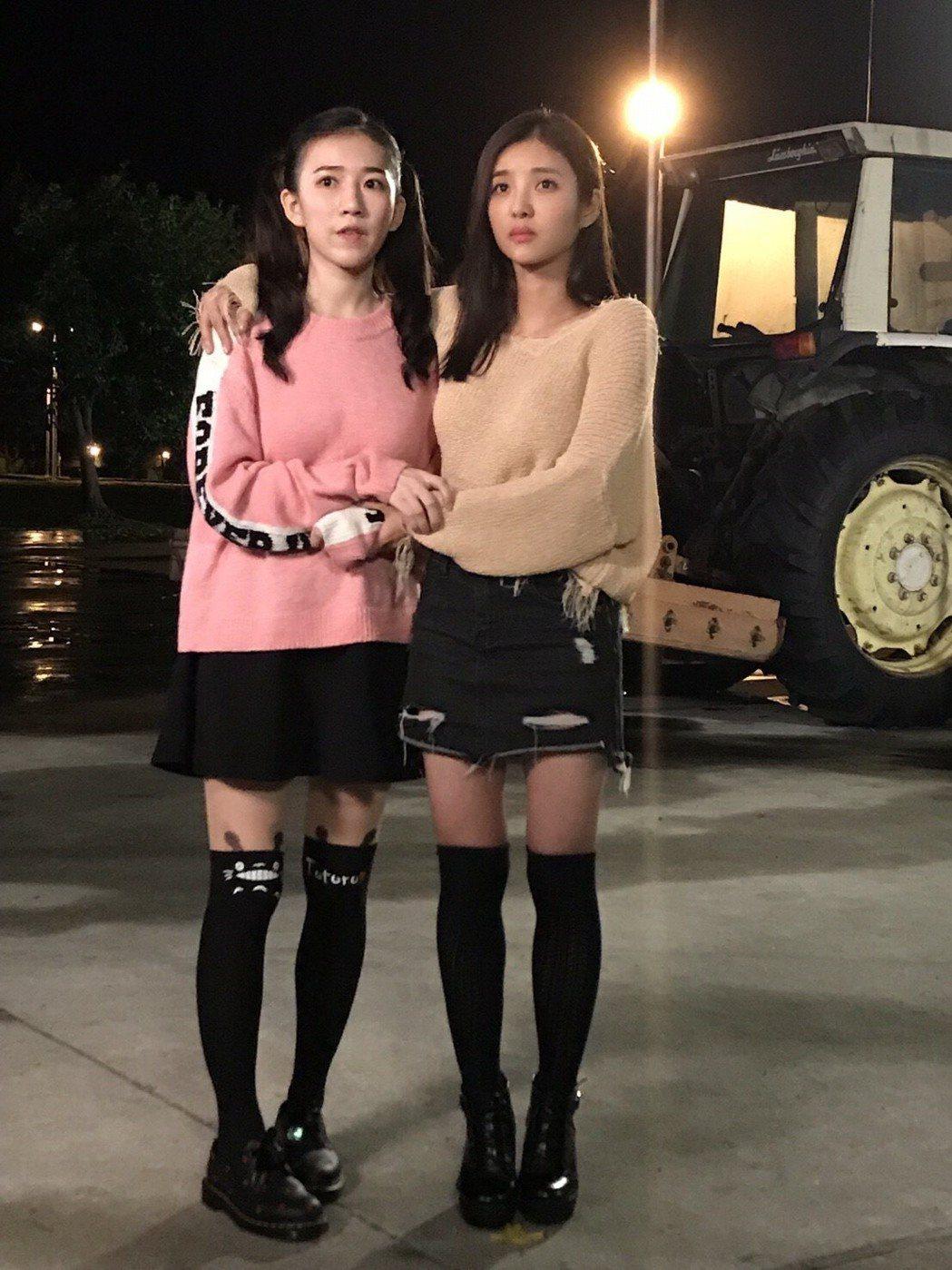 安于晴(右)與常心屏(左)共演網路大電影「痞子校花2」。圖/奧瑪優勢提供