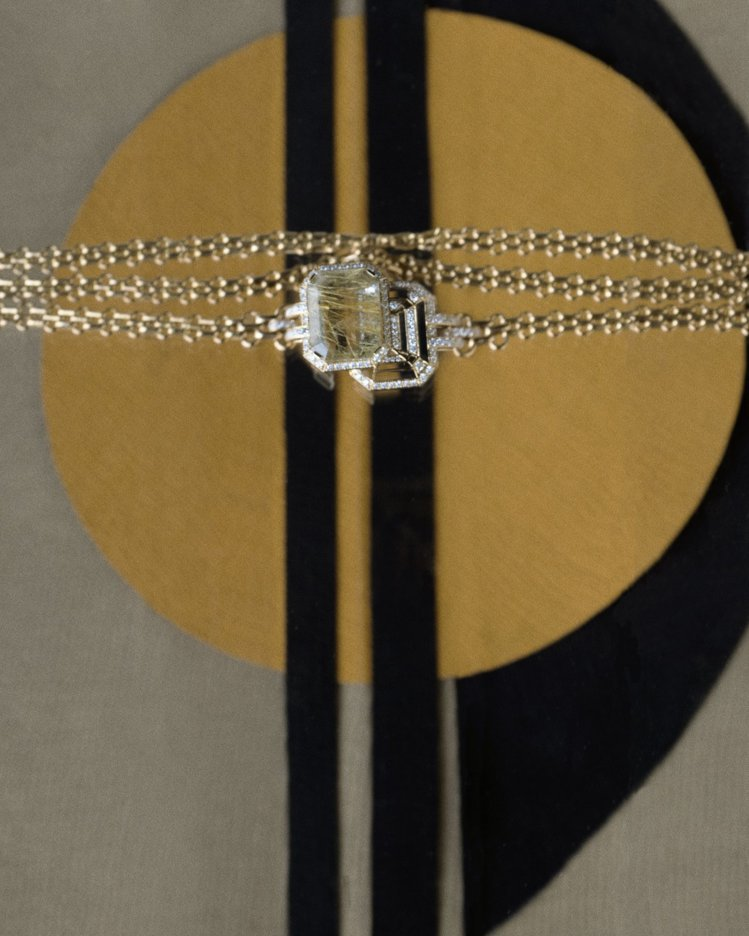 My Chain手鍊,18K黃金鑲嵌一顆12.5克拉祖母綠式切割髮晶,及104顆...