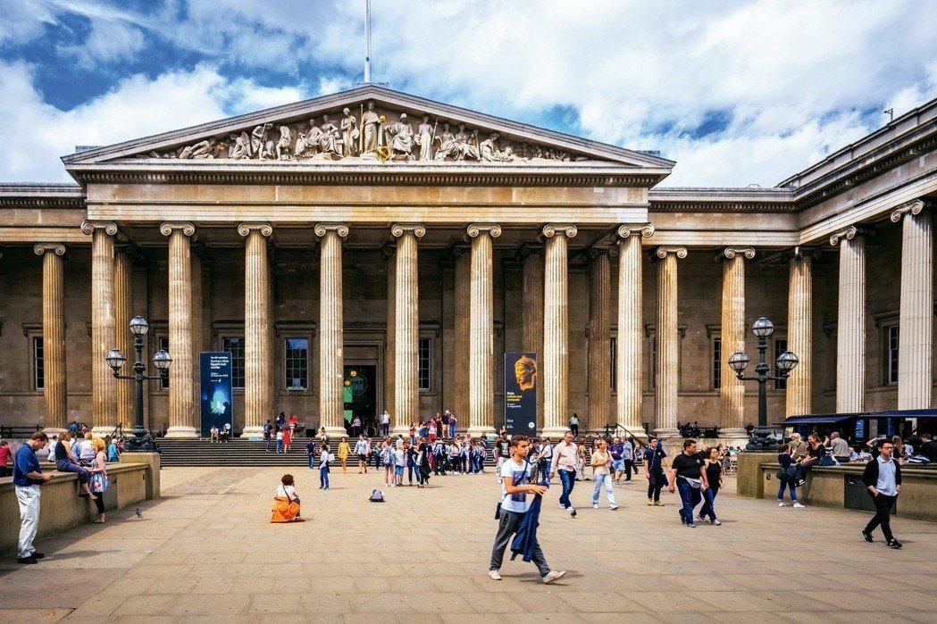 大英博物館的年輕化,主要聚焦科技化,建立高速的Wi-Fi網路,並與Google合...