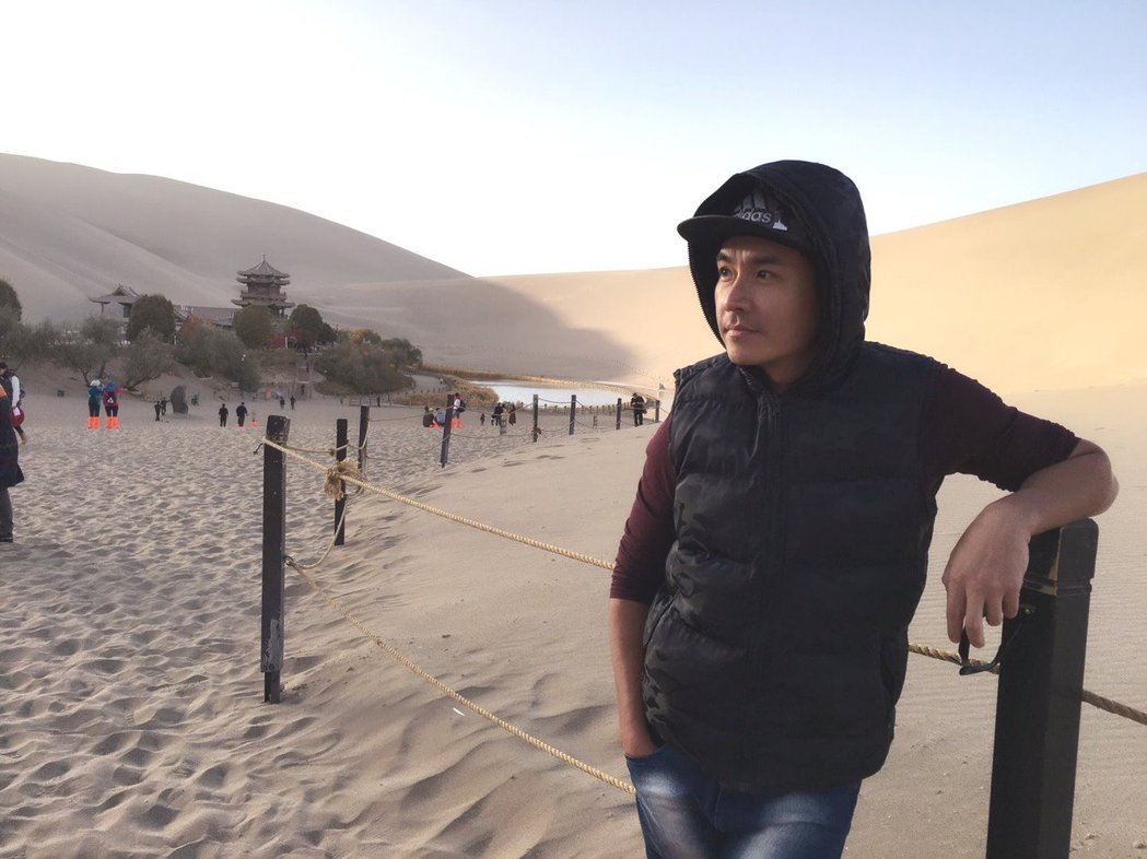 王傳一赴敦煌拍攝古裝戲「東宮」。圖/嚞娛樂提供